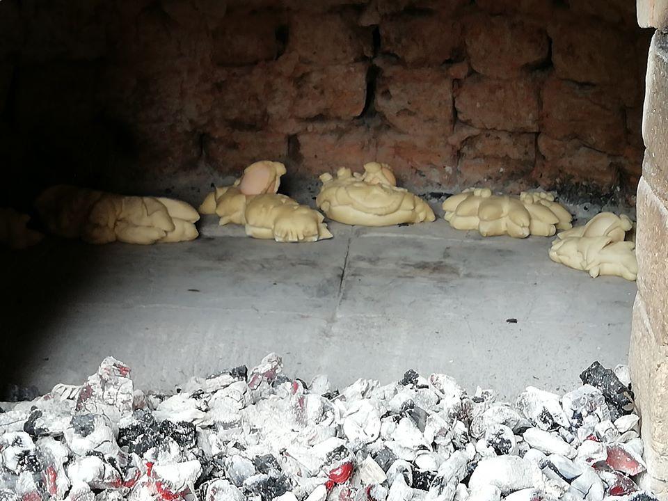 pane sardo cotto nel forno a legna
