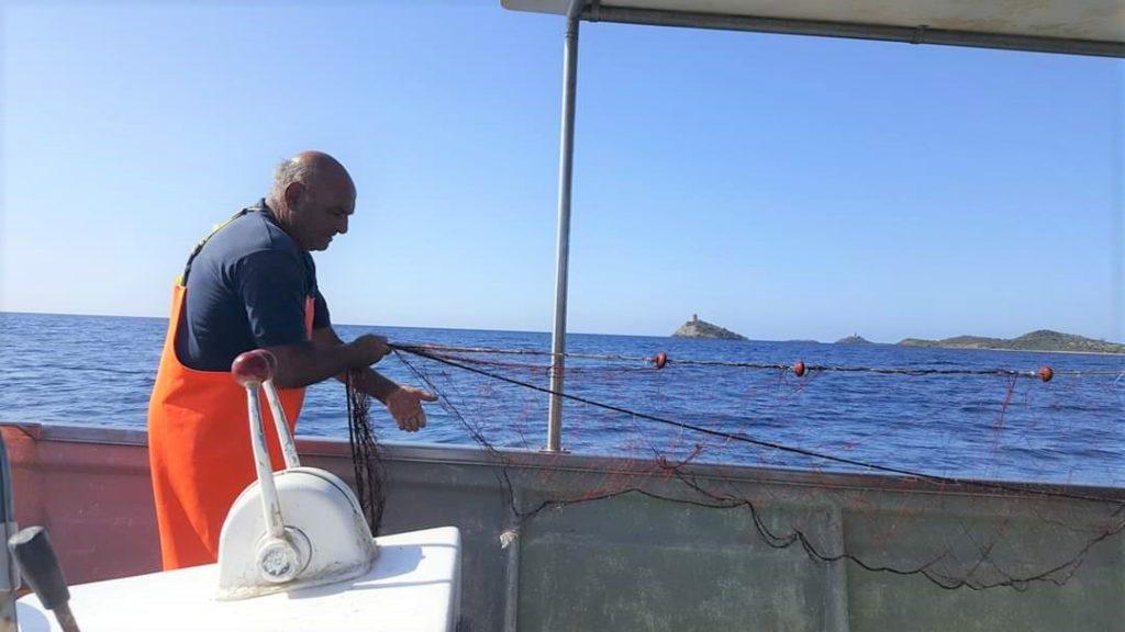raccolta delle reti pescaturismo coperativa san macario