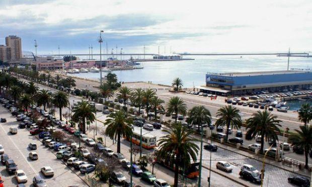 porto di Cagliari per raggiungere Pula