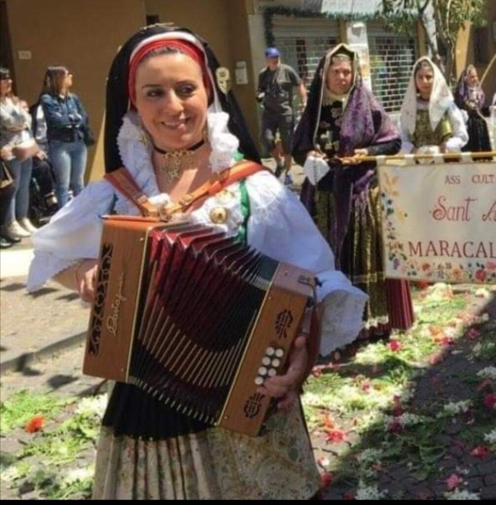 lungo le strade del paese festa di Sant'Efisio